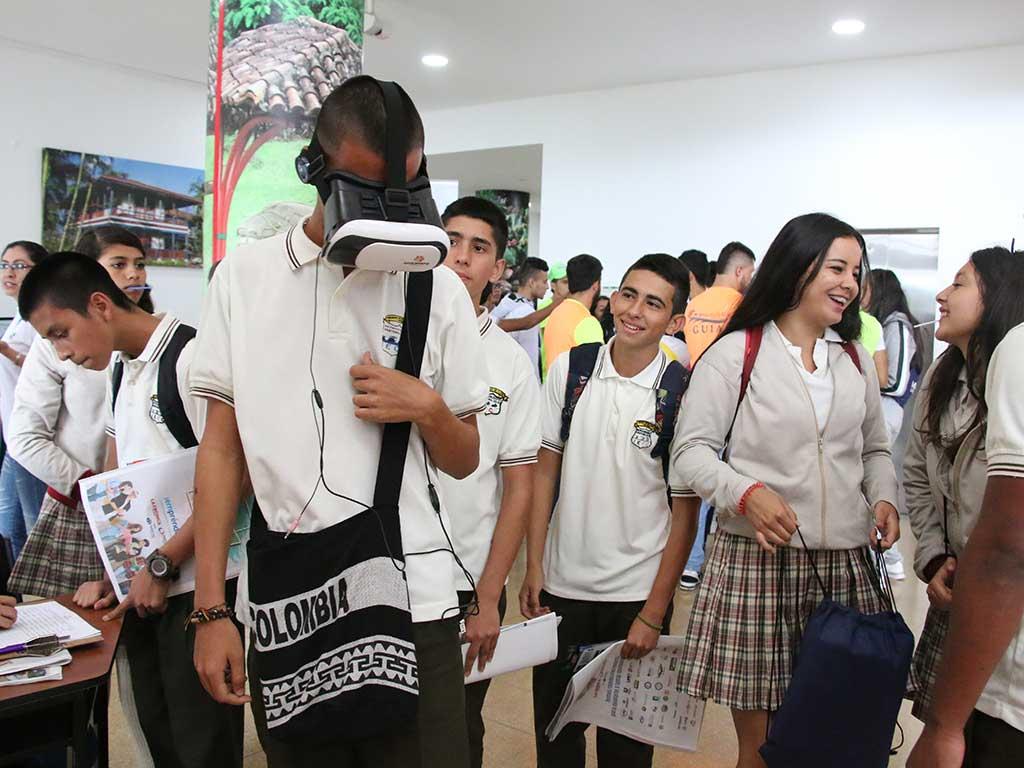 Primer día de de ExpoU y Expo Empréndelo 2018