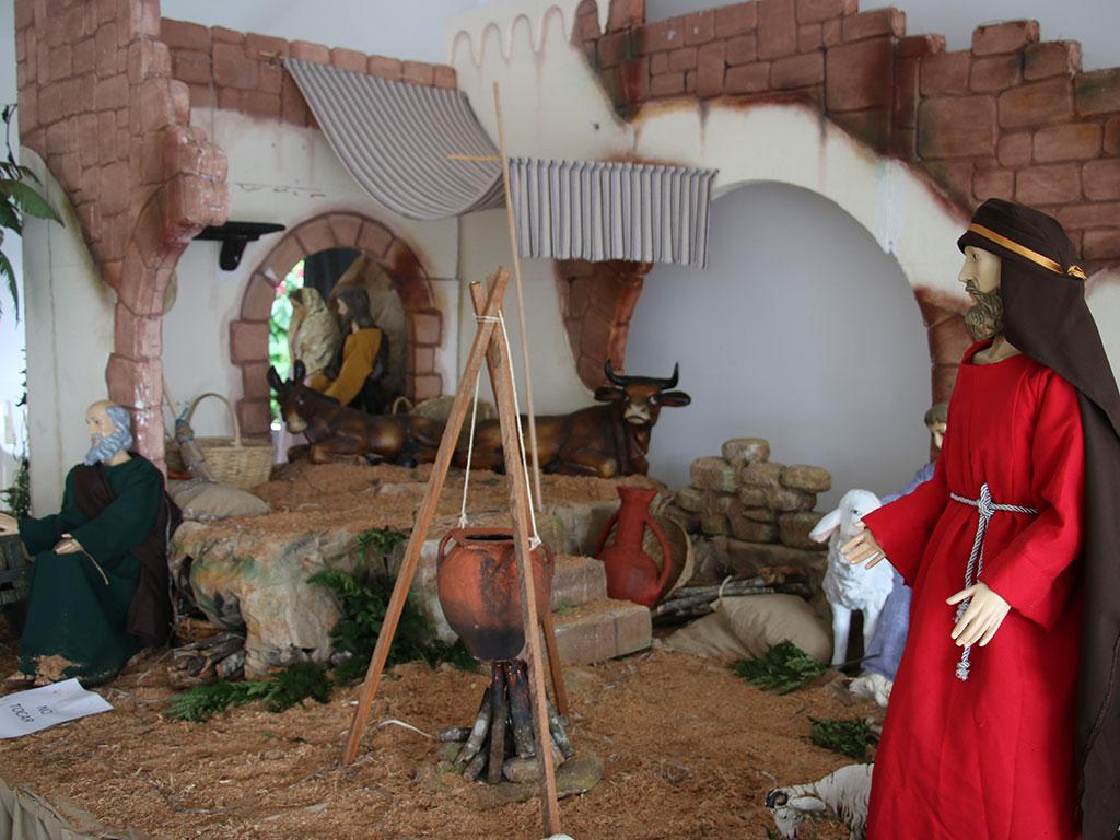 Â¡Vea los pesebres de las diferentes iglesias de Armenia!