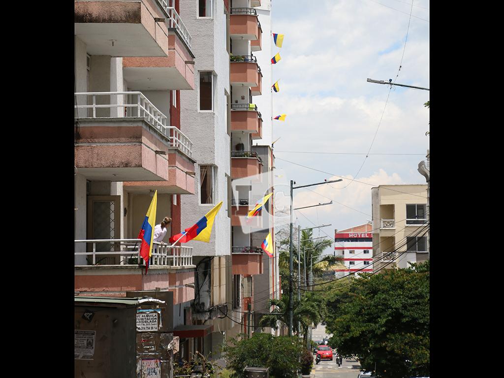 Armenia se vistió de amarillo, azul y rojo para conmemorar el 7 de agosto