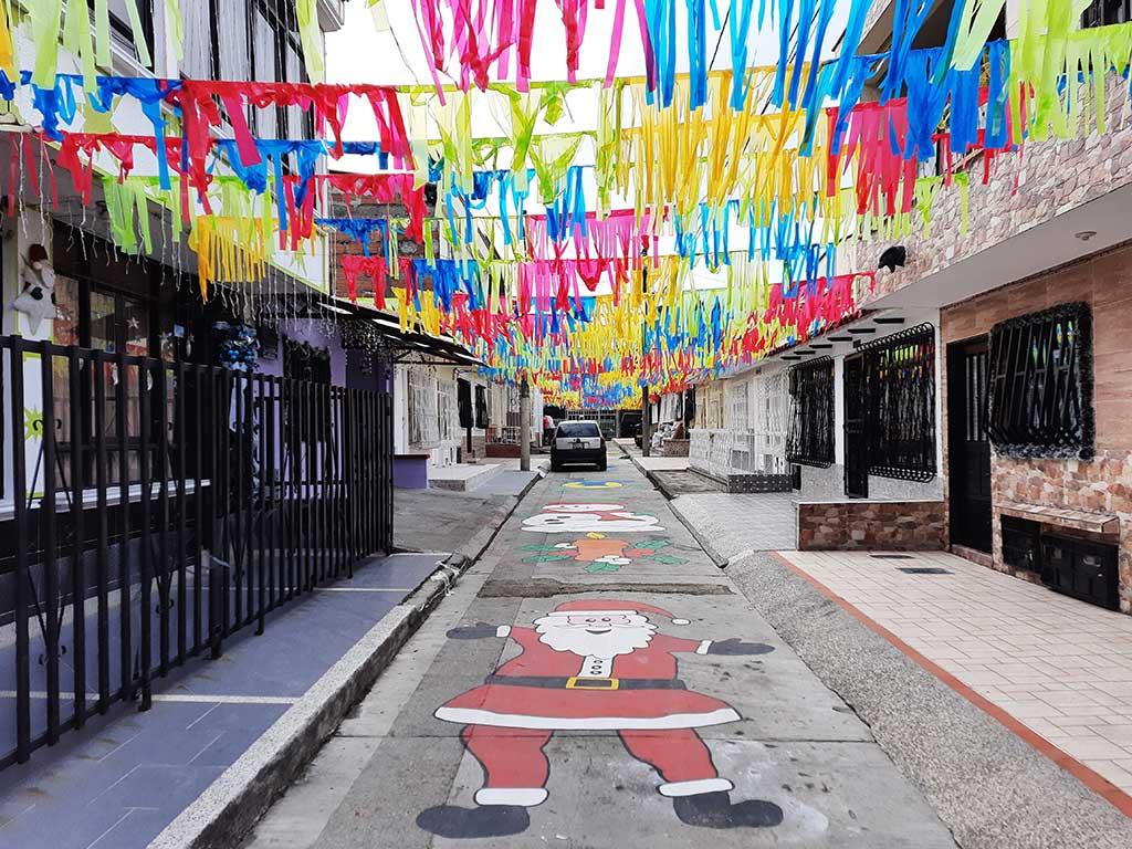 Calles y fachadas de las casas en  Armenia se vistieron de Navidad