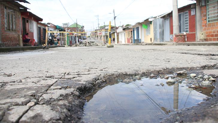 Problemas de redes generaron huecos  en algunas calles de La Tebaida