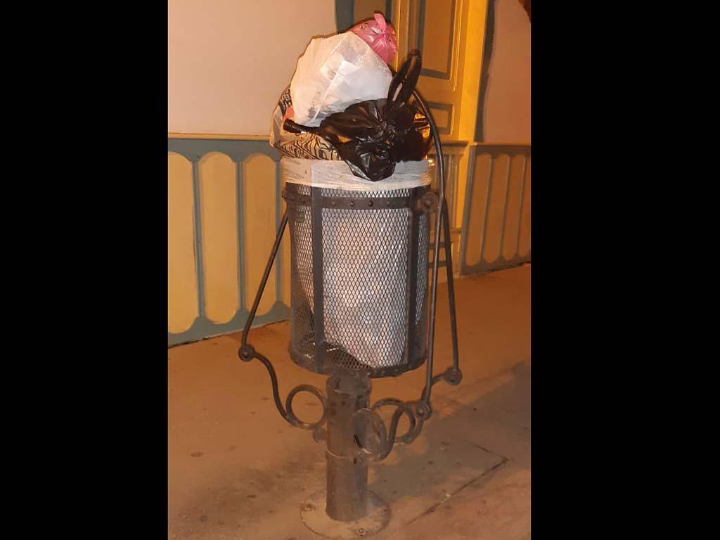 'Basureritos' urbanos, rebosados de incultura ciudadana