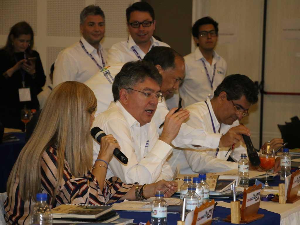En cumbre, Minhacienda anunció aumento en las regalías