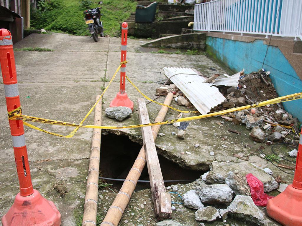 Vías terciarias y urbanas en Pijao, parecen caminos de herradura
