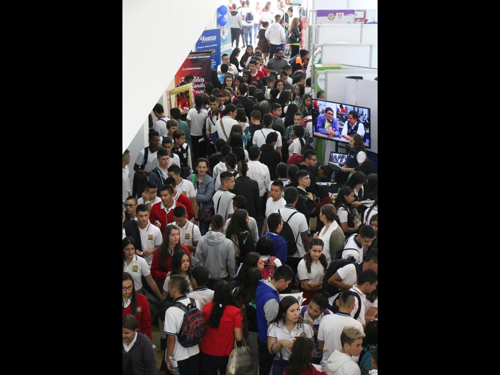 Estudiantes, maestros y público en general disfrutaron del segundo día de Expo U