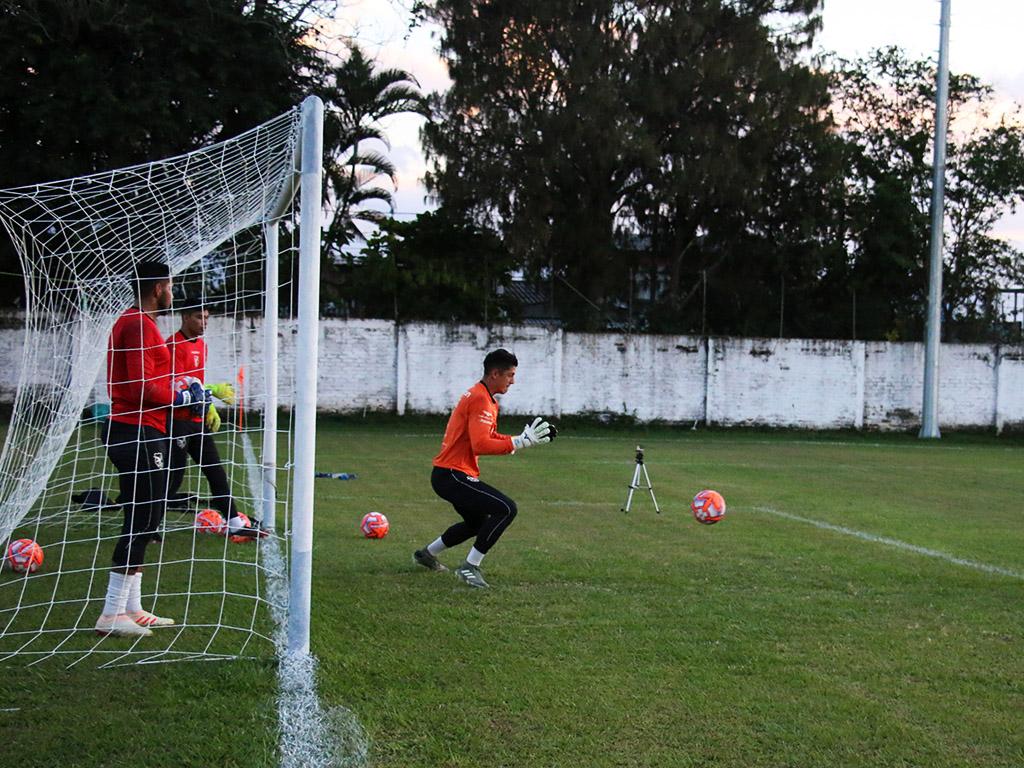 En fotos: parte del recibimiento y primer entrenamiento de la selección de Bolivia sub-23