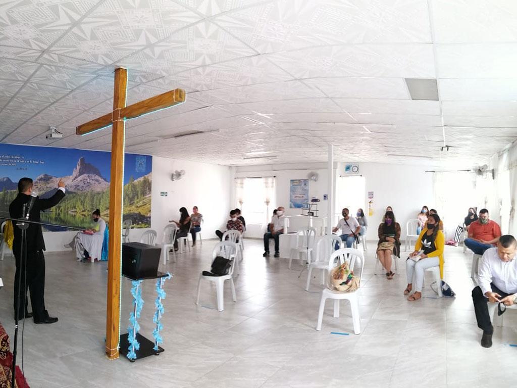 Iglesias cristianas y evangélicas reiniciaron sus cultos en Armenia