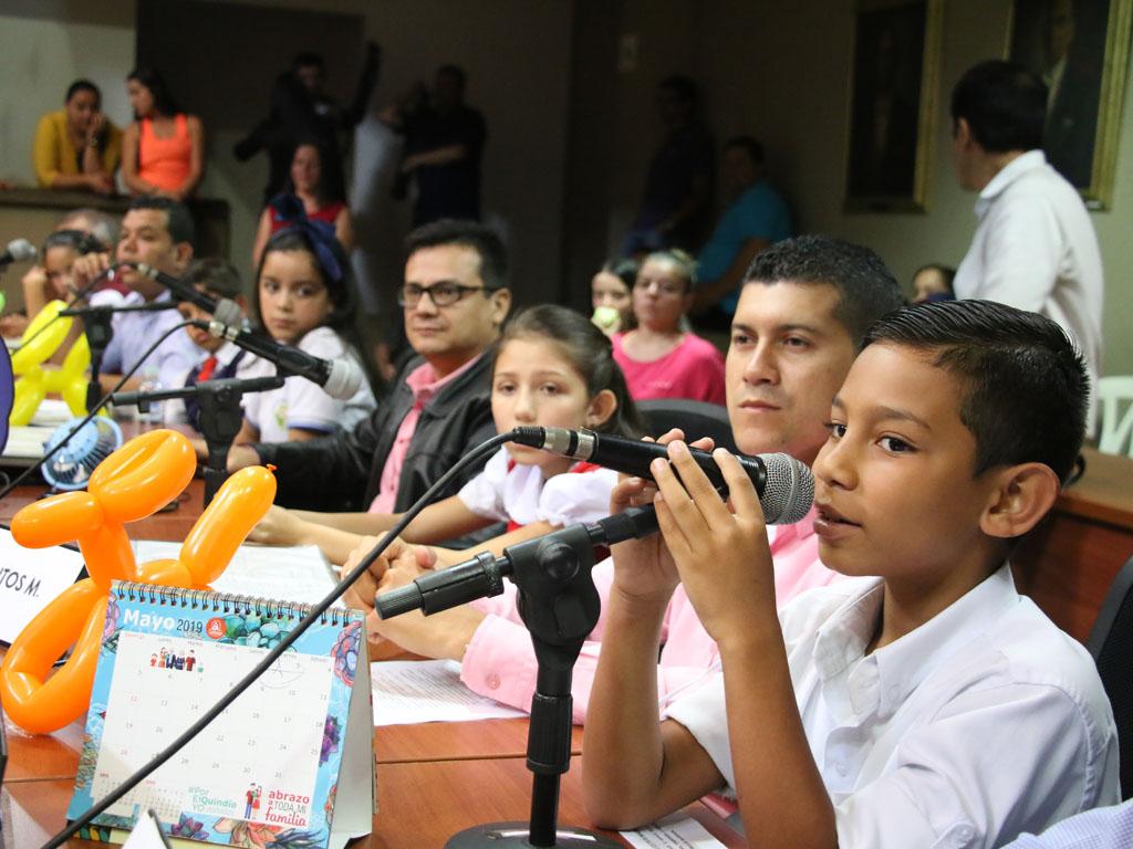 Niños de Armenia fueron concejales por un día