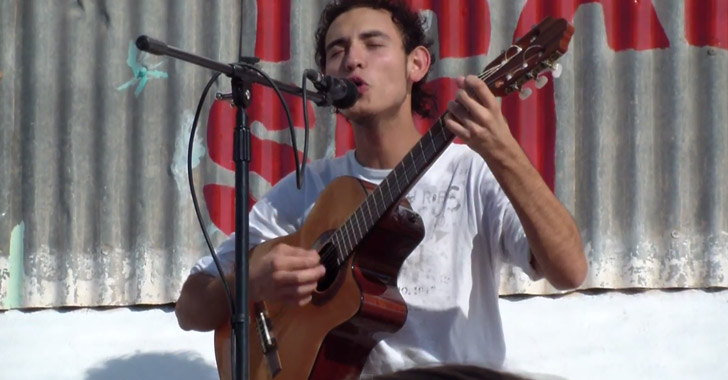 Armenia, al ritmo de guitarra y bellas canciones cuyanas