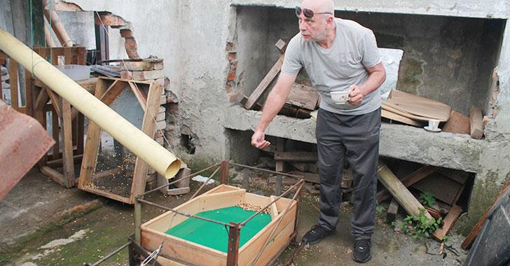 Quindiano invent m quina que separa el caf brocado for El jardin de la maquina precios