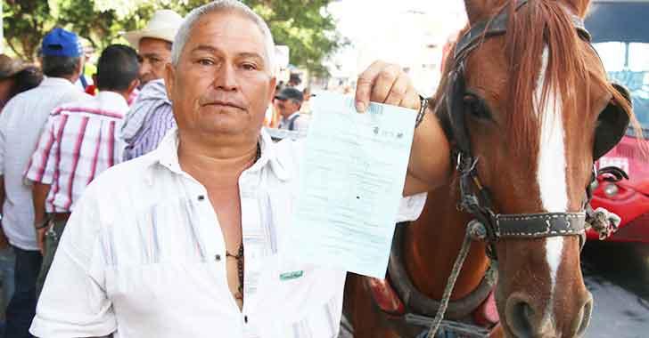 18 carretilleros entregaron sus caballos voluntariamente
