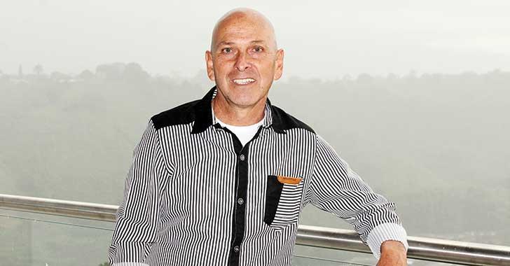 Carlos Melvi, un artista del género popular y romántico