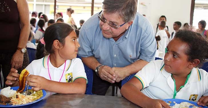 Secretario de Educación se comprometió a dar almuerzo a estudiantes del Casd