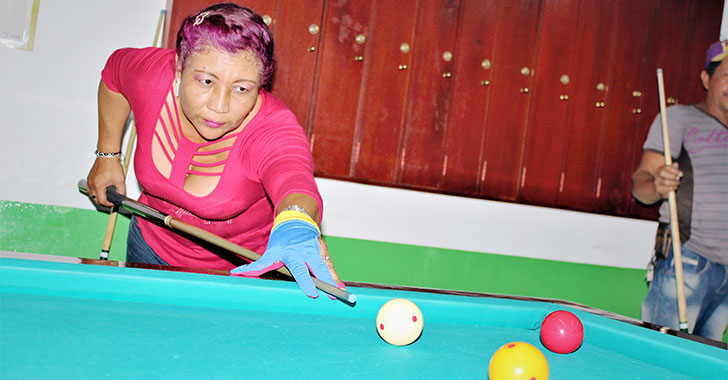 Amanda López Morales,  la dama de las tres bandas