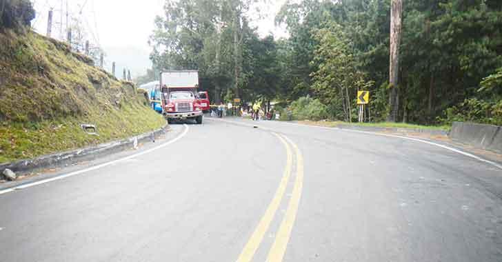 Interventoría para mejorar la vía Armenia - La Línea - Cajamarca fue adjudicada este jueves