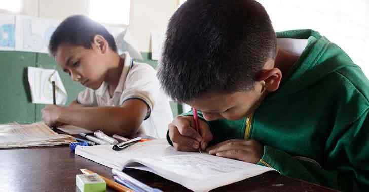 Quindianos  estudiarán hasta el 15 de diciembre