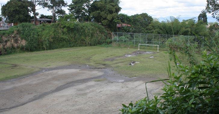 Residentes aplauden recuperación de la cancha de El Placer