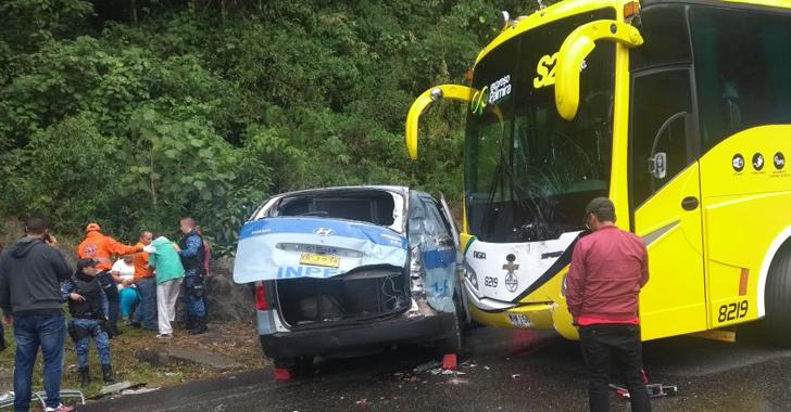 Vehículo del Inpec colisionó contra bus interdepartamental
