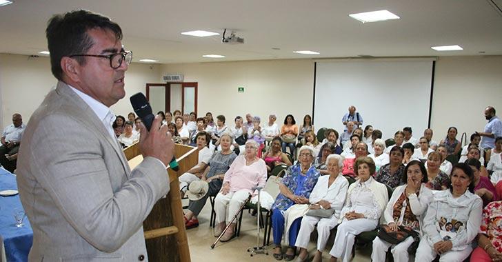 Con charlas y actividades culturales empezó en Armenia la celebración del adulto mayor