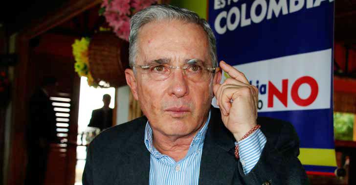 Corte Suprema compulsó copias a Cámara para que investigue a Uribe por chuzadas