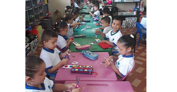 Cronichicos en la institución educativa Laura Vicuña