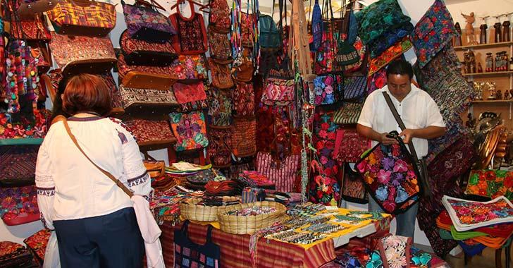 Las artesanías, en el Inem, abren sus puertas este jueves