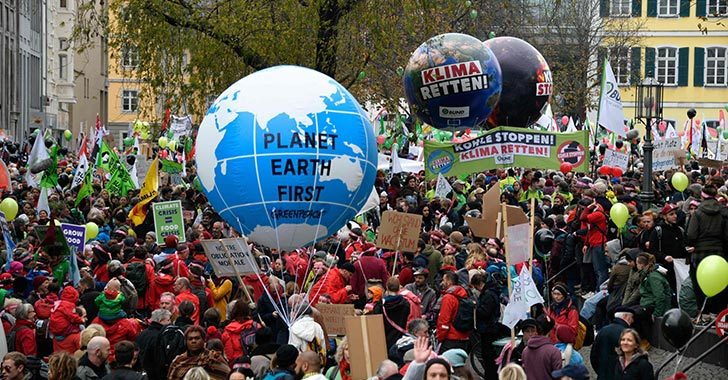 El planeta seguirá moviéndose, mientras la humanidad se extinguirá
