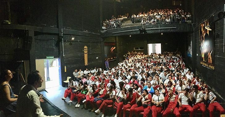 Ocho mil estudiantes del Quindío reflexionaron en torno al perdón en Teatro Azul