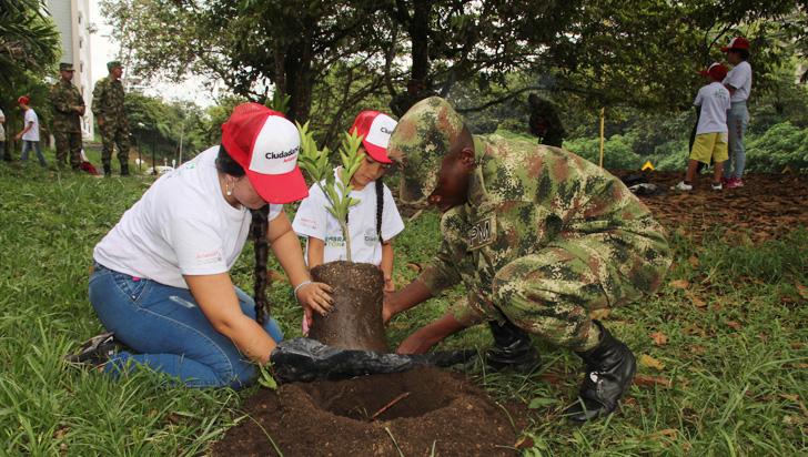 Siembratón plantó 400 árboles en el parque De la Vida
