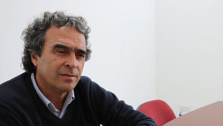 Sergio Fajardo lidera intención de voto presidencial, según encuesta de Invamer