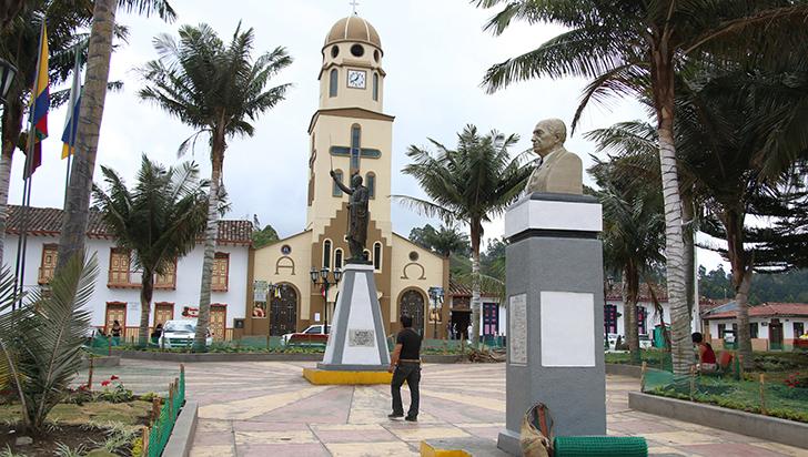 Los municipios del Quindío ahora son dueños de sus plazas