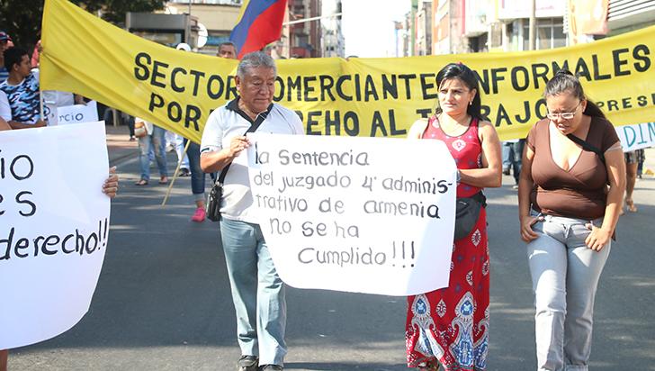 Vendedores informales se pronunciaron durante la rendición de cuentas del alcalde