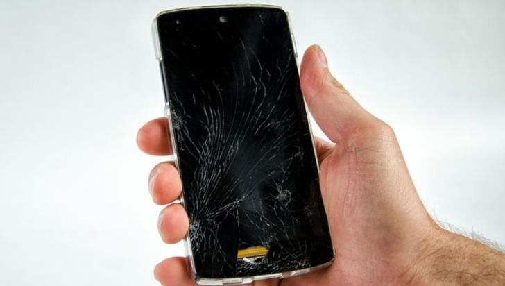 Las pantallas de los 'smartphones' podrán autorepararse en unos segundos
