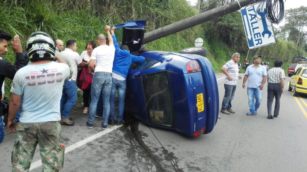 Accidente en vía Armenia – Calarcá no dejó personas heridas