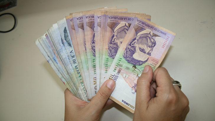Salario Mínimo subió 5.9%, pasa a $781.242 para el 2018