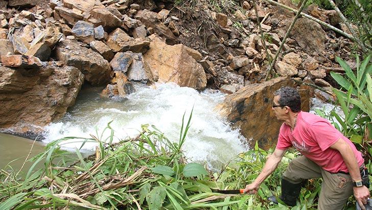 El Río Lejos de Pijao permanece en monitoreos por deslizamiento