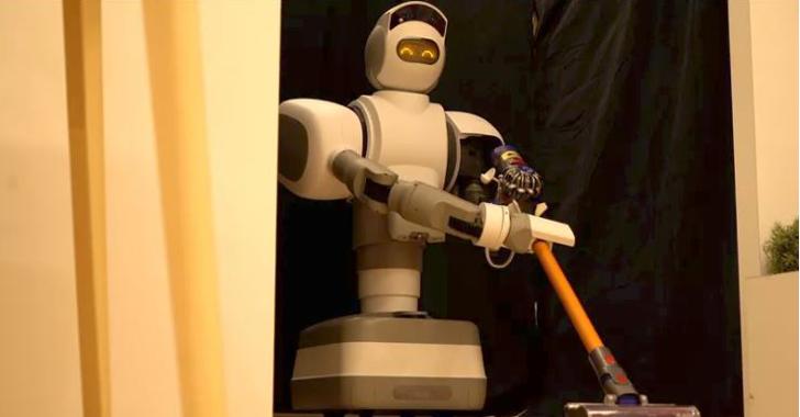 Aeolus: El robot que trapeará el piso y traerá la cerveza