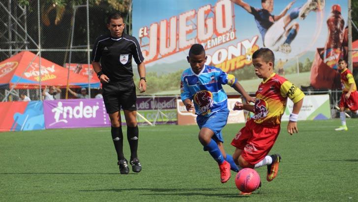 Montenegro Piguas venció al vigente campeón del Ponyfútbol y clasificó a octavos
