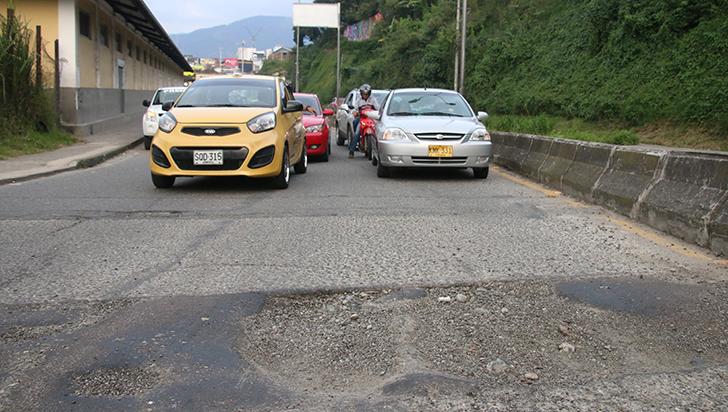 Hueco en La Estación pone en peligro integridad de conductores