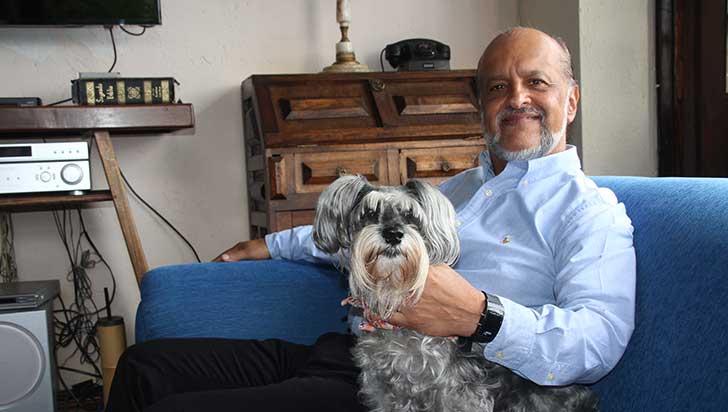 Santiago González Tobón,  bilingüismo y transculturalidad