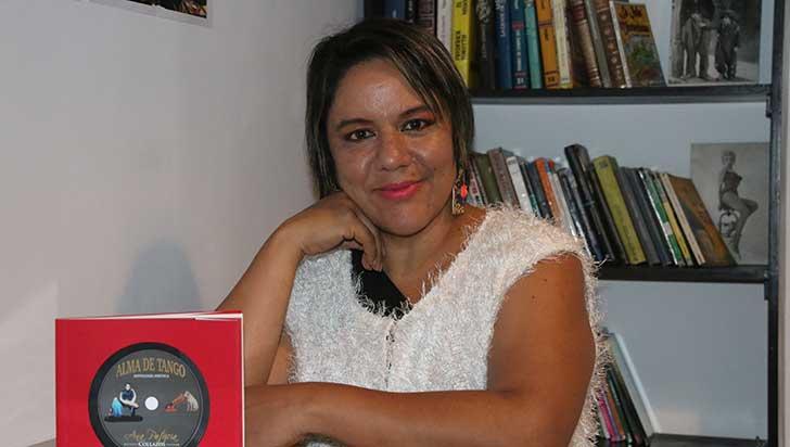 Ana Patricia Collazos, poetisa y cantante
