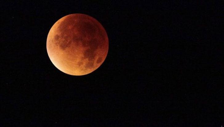 Después de 150 años, así se vio una superluna  azul de sangre
