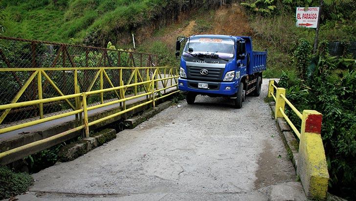 Denuncian mal estado de un puente en Circasia