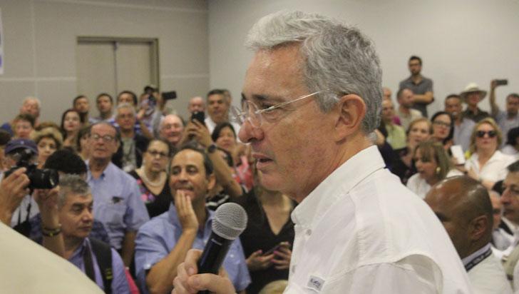 Corte Suprema ordena investigar a Álvaro Uribe por presunta manipulación de testigos
