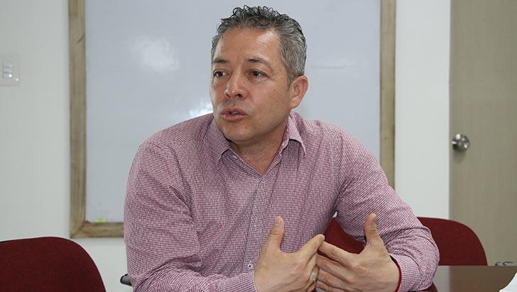 """Luciano Grisales: """"Los últimos gobiernos se han desentendido de la agricultura"""""""