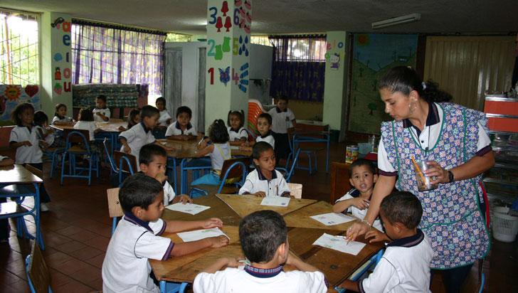 30 de marzo, fecha tentativa para pago de primas que adeudan a docentes