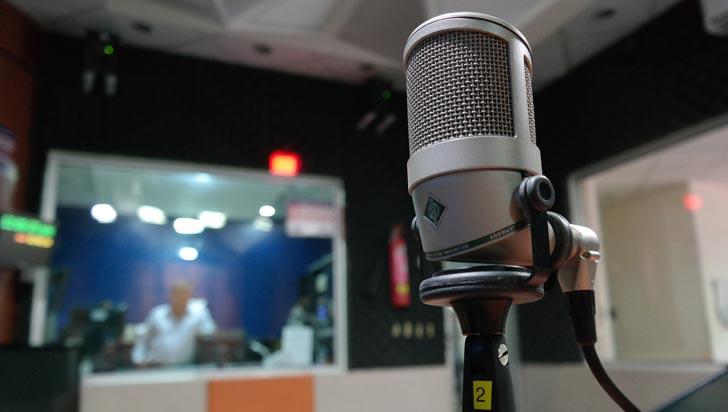 """En Uganda cerraron 23 emisoras de radio por """"promover la brujería"""""""