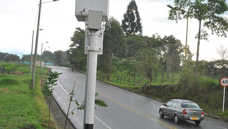 """""""No se ha pensado implementar fotomultas; la autoridad sí cuenta con un radar"""": Setta"""