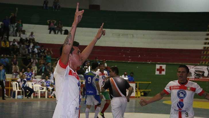 Kevin Pineda, quindiano de Caciques, a la selección Colombia
