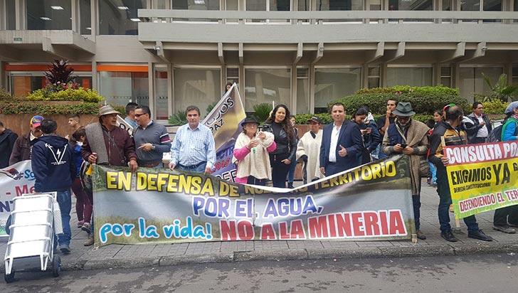Córdoba protestó en Bogotá por el derecho a la consulta popular